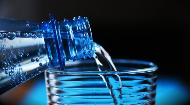 Τι γίνεται όταν πίνεις καθημερινά ζεστό νερό