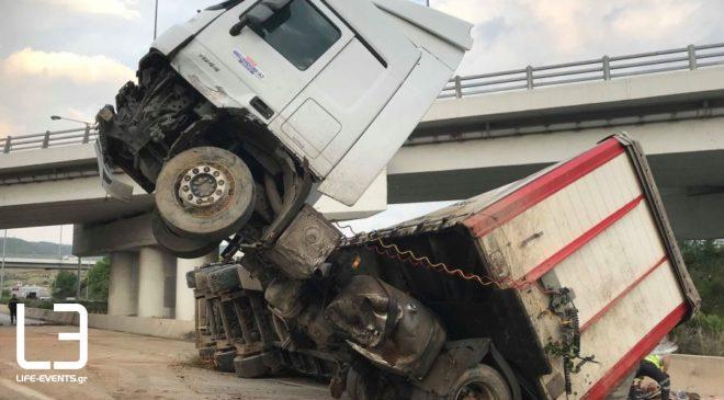 Φορτηγό έπεσε σε αρδευτικό κανάλι έξω από την Θεσσαλονίκη – Νεκρός ο οδηγός