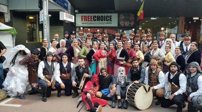 Ξεσήκωσαν τη Μελβούρνη οι Μωμόγεροι (ΒΙΝΤΕΟ & ΦΩΤΟ)