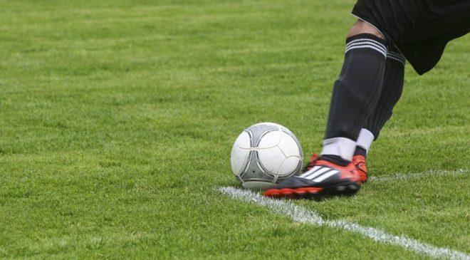 Χωρίς πλέι οφ και πλέι άουτ η Football League