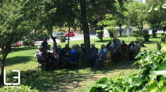 Ο… καφενές του δρόμου, στο «Πάρκο των Εθνών» στην Αγίου Δημητρίου (ΒΙΝΤΕΟ & ΦΩΤΟ)