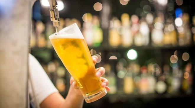 Βρετανία: Σε έλλειψη η μπύρα στις παμπ μετά την άρση του lockdown