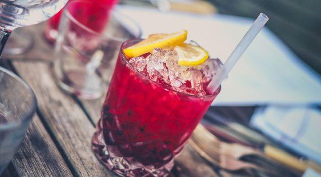 Τι να προσέξετε πριν αρχίσετε να πίνετε τις γιορτές