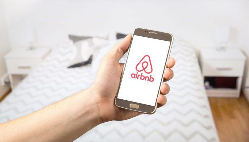 Airbnb: Οι αλλαγές που έρχονται από την 1η Ιουνίου