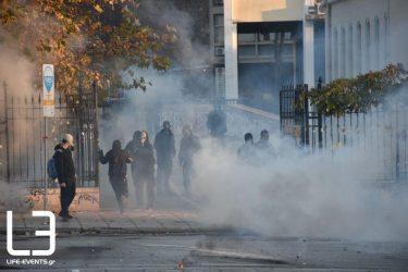 Επεισόδια και μολότοφ στο μαθητικό συλλαλητήριο