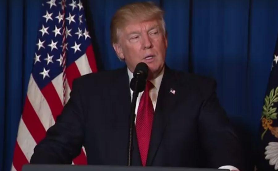 """Τραμπ για τον επικεφαλής λοιμωξιολόγο: """"Εάν τον άκουγα, θα είχαμε 500.000 θανάτους"""""""
