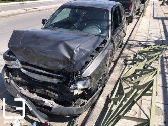 Τροχαίο με εγκλωβισμένο οδηγό στο δρόμο Θεσσαλονίκης – Μουδανιών