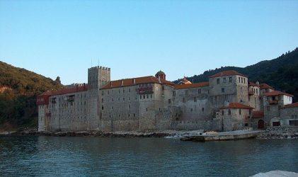 Κορονοϊός: Τέσσερις μοναχοί του Αγίου Ορους σε νοσοκομείο της Θεσσαλονίκης