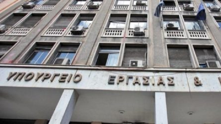 Υπ. Εργασίας: «Ο ΣΥΡΙΖΑ γελοιοποιεί την αντιπολίτευση»