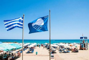 Οι δεκαεπτά παραλίες που  τους αφαιρείται η «Γαλάζια Σημαία»