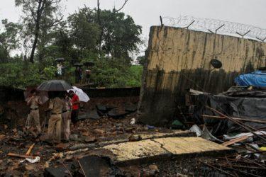 Τραγωδία στην Ινδία με πάνω από 144 νεκρούς από τον μουσώνα