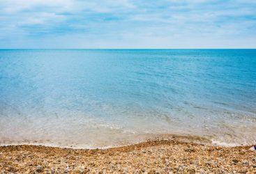 Θάλασσα και πισίνα: Τι πρέπει να προσέχετε πριν μπείτε