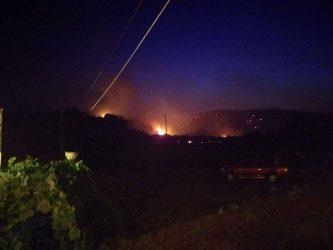 Νύχτα αγωνίας για τους κατοίκους της Ζακύνθου, μαίνονται οι φλόγες