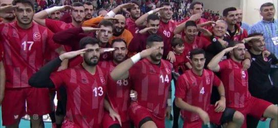 """Ο Ολυμπιακός """"τελείωσε"""" τον Τούρκο παίκτη που χαιρέτησε στρατιωτικά"""