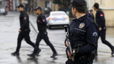 Οδηγός λεωφορείου έπεσε πάνω σε πλήθος στην Κωνσταντινούπολη