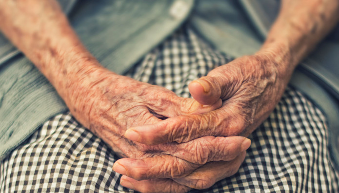 Σέρρες ηλικιωμένη, Βόλος
