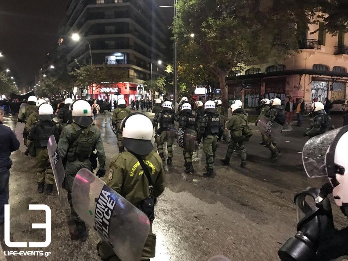 Θεσσαλονίκη: Ενταση και προσαγωγές γύρω από τον Λευκό Πύργο