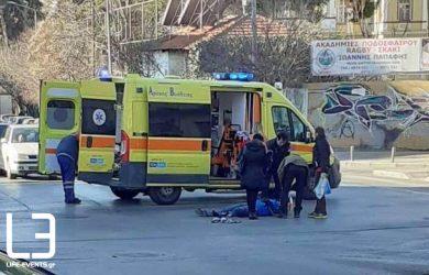 Ασθενοφόρο συγκρούστηκε με μηχανή στην Θεσσαλονίκη
