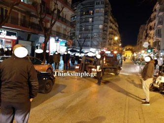 Θεσσαλονίκη: Διπλοπαρκαρισμένα ΙΧ μπλόκαραν λεωφορεία του ΟΑΣΘ (ΦΩΤΟ)