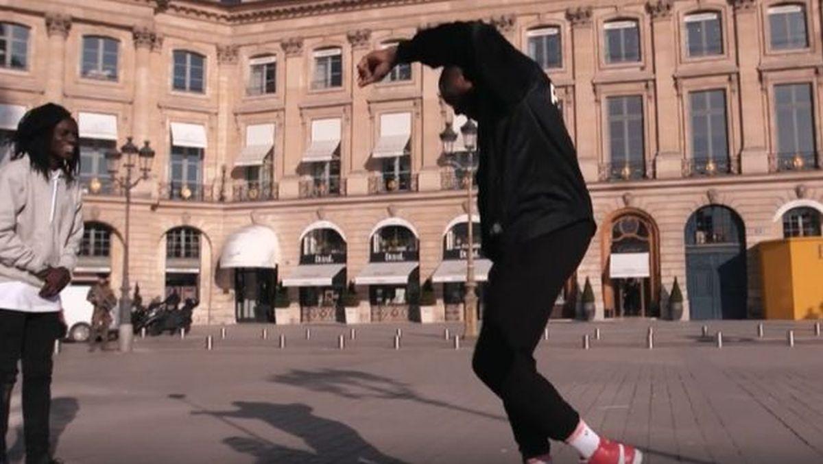 """Ο Θανάσης Αντετοκούνμπο χορεύει το """"ζεϊμπέκικο της Ευδοκίας"""" στο Παρίσι! (BINTEO)"""