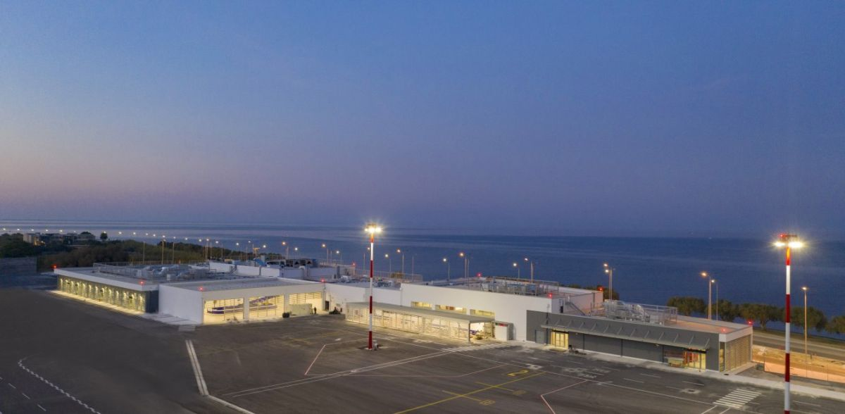 Ξεκίνησε να λειτουργεί το ανανεωμένο αεροδρόμιο της Μυτιλήνης