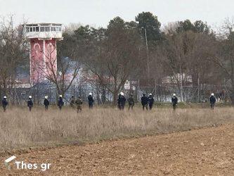 Εβρος: Εμβατήρια, πυροβολισμοί και φωτοβολίδες οι προκλήσεις από την Τουρκία