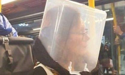 Σακούλες, κουτιά, μάσκες αερίων εναντίον του κορονοϊού (ΦΩΤΟ)