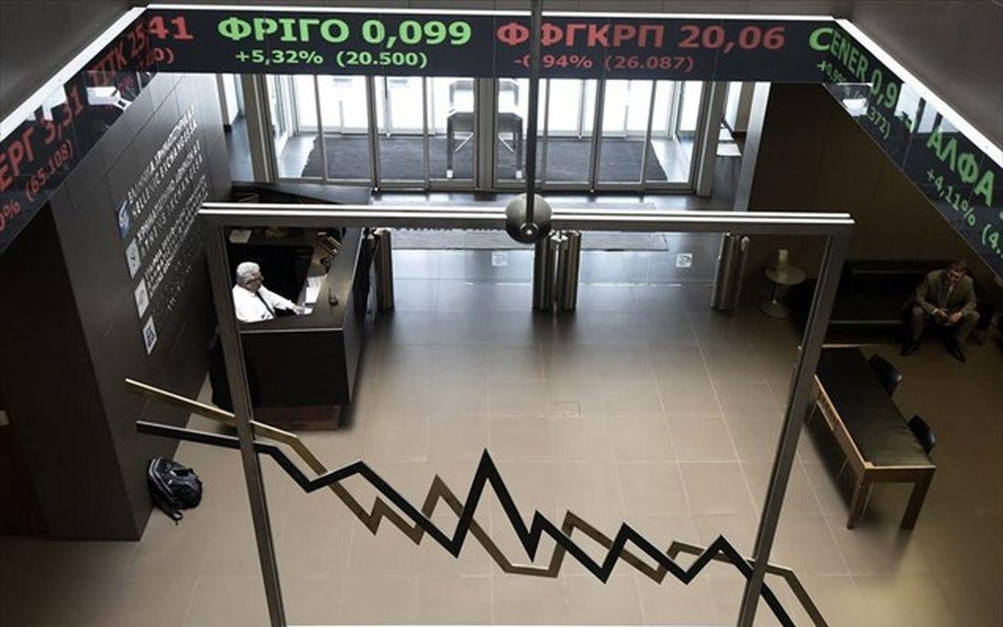 """Κορονοϊός: Ενδεχόμενο lockdown """"τρομάζει"""" χρηματιστήρια κι αγορές"""