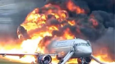 Bίντεο σοκ από την αεροπορική τραγωδία με τους 41 νεκρούς στη Μόσχα