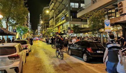 Θεσσαλονίκη: Παρέμβαση της αστυνομίας για το συνωστιμό στο κέντρο