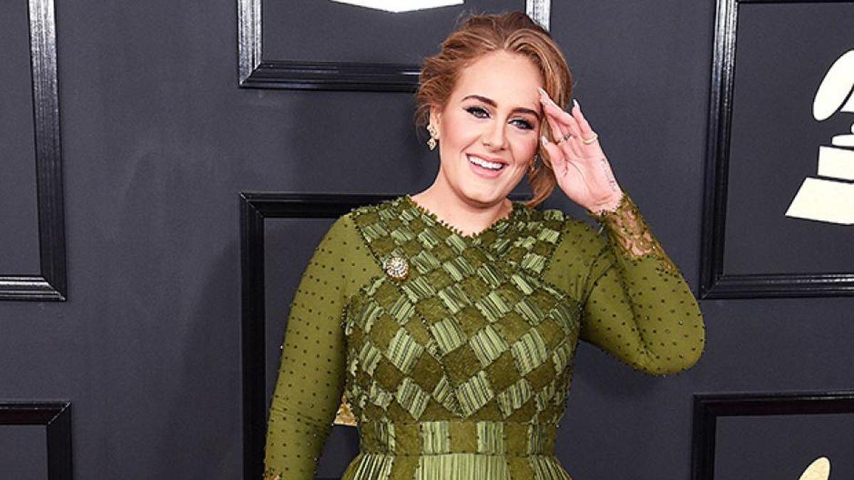 Adele τραγουδίστρια μεταμόρφωση κιλά