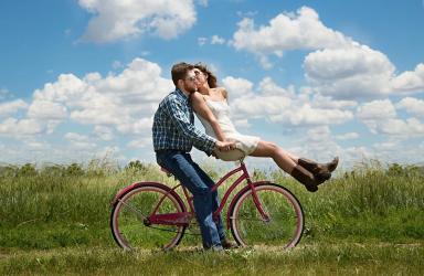 Τα οφέλη της ποδηλασίας που θα σε κάνουν να… παρατήσεις το αυτοκίνητο