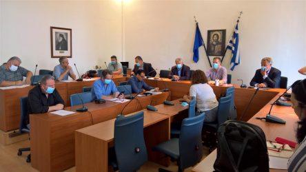 Σύσκεψη στο δήμο Πολυγύρου για τις επιχειρήσεις