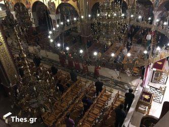 """Θεσσαλονίκη: Είπαν το """"Χριστός Ανέστη"""" στους Ναούς (ΦΩΤΟ)"""