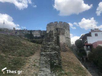 Θεσσαλονίκη: Απολαμβάνοντας την καλύτερη θέα πλάι σε έναν σκουπιδότοπο (ΒΙΝΤΕΟ & ΦΩΤΟ)