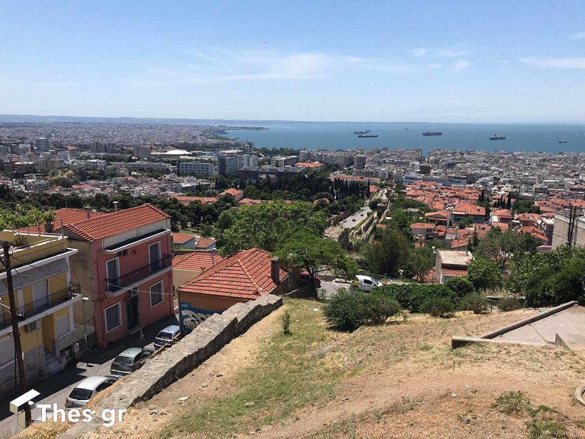 μπαλκόνι Θεσσαλονίκη θέα Ανω Πόλη Κάστρα