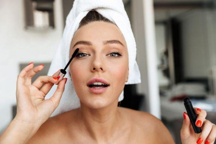 Πως να διατηρήσετε το μακιγιάζ σας σταθερό μέσα στον καύσωνα