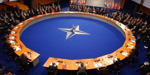 Η Ρωσία αποκλείει την περίπτωση ένταξης στο ΝΑΤΟ