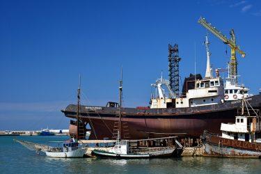 Παρατείνεται η λειτουργία των ναυπηγείων του Θερμαϊκού