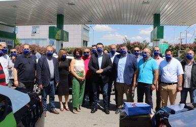 Η ΠΚΜ παρέδωσε μάσκες στους οδηγούς ταξί από τον ΟΤΘ
