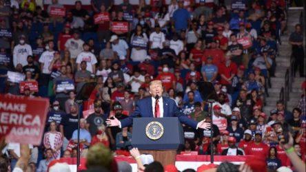 Στη Φλόριντα η νέα συγκέντρωση του Τραμπ – «Διαλύεται» από τον κορονοϊό η πολιτεία