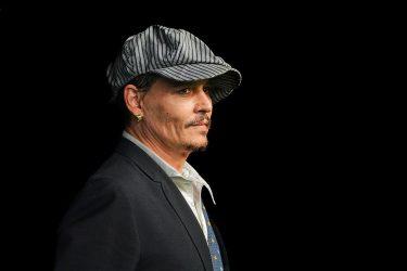 Ο Τζόνι Ντεπ κατηγορεί το Χόλιγουντ για μποϊκοτάζ