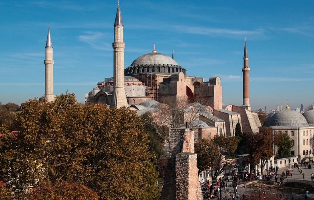 Απόδημος Ελληνισμός: «Να ανατραπεί η απόφαση της Τουρκίας για την Αγία Σοφία»