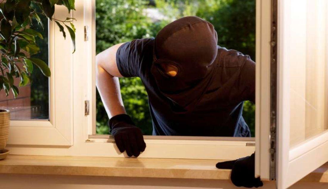 Κρατήστε τους κλέφτες μακριά από το σπίτι σας όσο λείπετε διακοπές