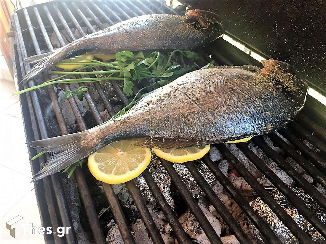 ψάρια στα κάρβουνα