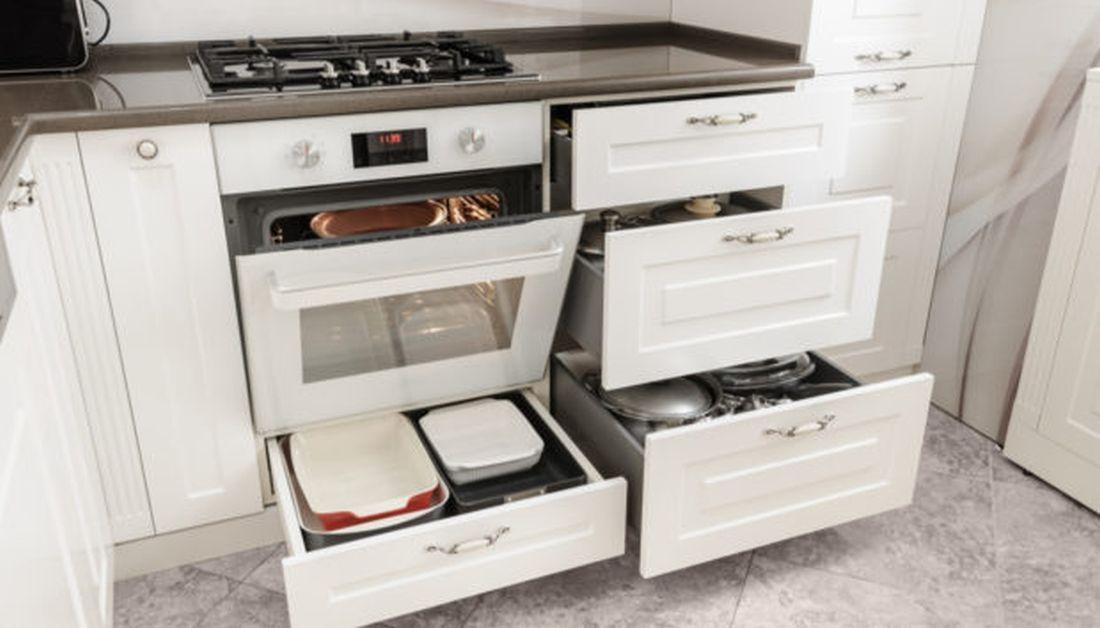 Σε τι χρησιμεύει το συρτάρι κάτω από το φούρνο