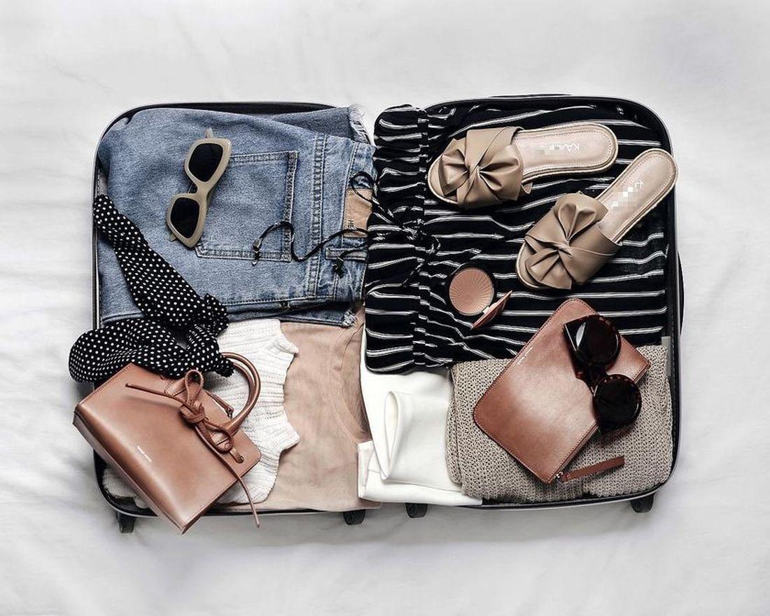 Πέντε ρούχα και αξεσουάρ που πρέπει να έχει η βαλίτσα σου στις διακοπές
