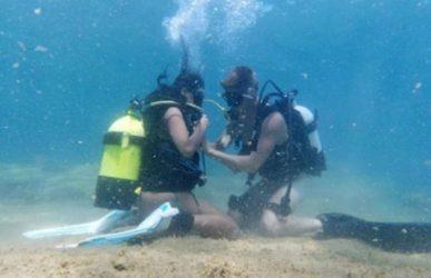 Η πρώτη ελληνική ερωτική υποβρύχια ταινία είναι γεγονός