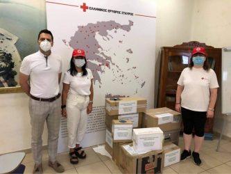 Φάρμακα στον Ερυθρό Σταυρό παρέδωσαν οι φαρμακοποιοί