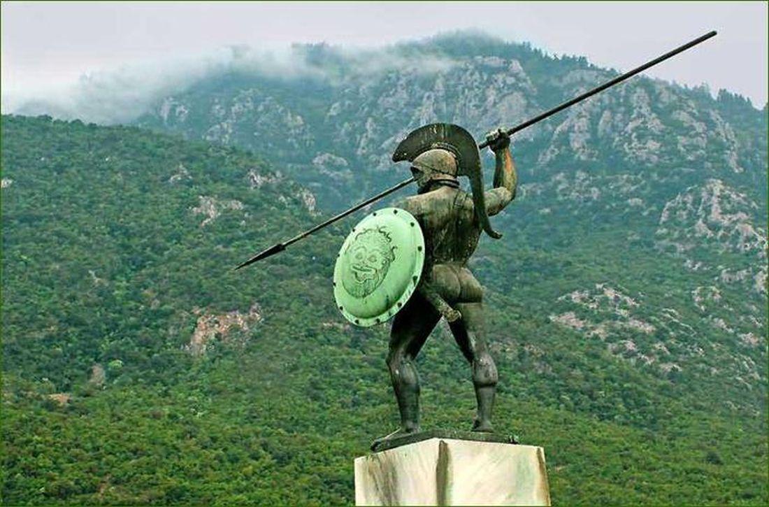 Οι Ελληνες ομογενείς ανά τον κόσμο τιμούν την επέτειο από τη μάχη των Θερμοπυλών